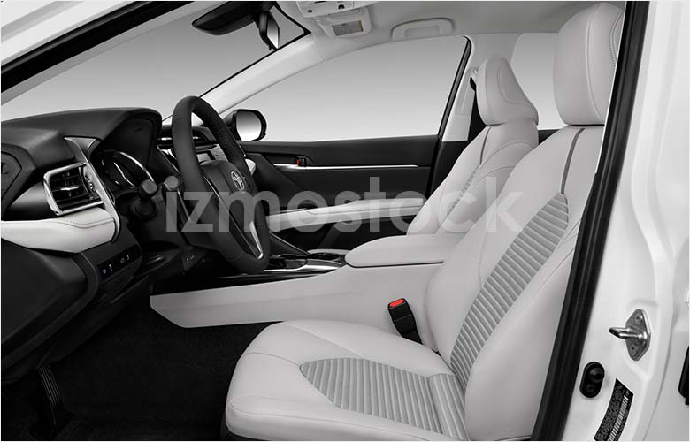 toyota_18camrysesa9a_frontseat