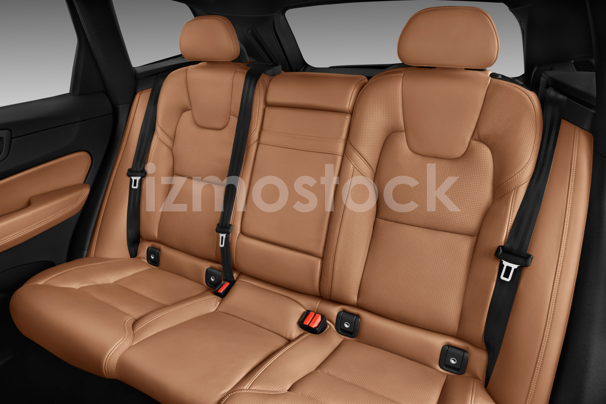 volvo_18xc60t8su2ac_rearseat