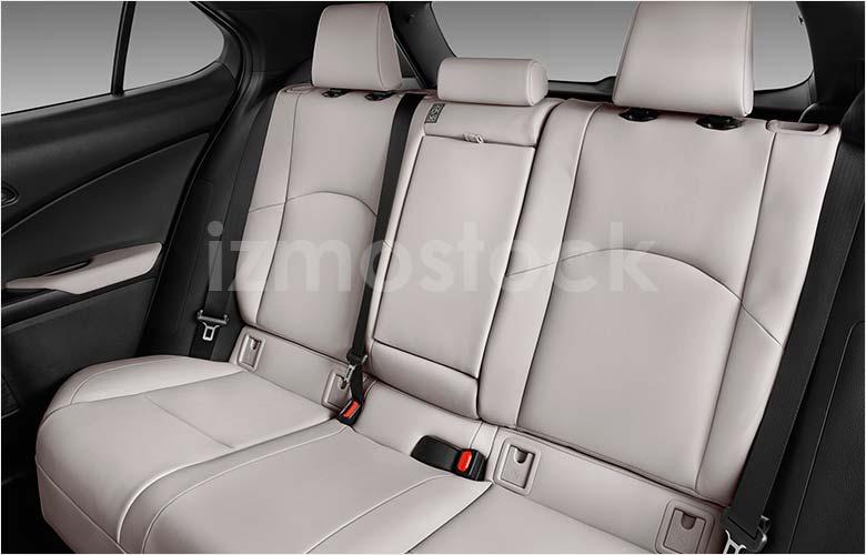 lexus_19ux200su1a_rearseat