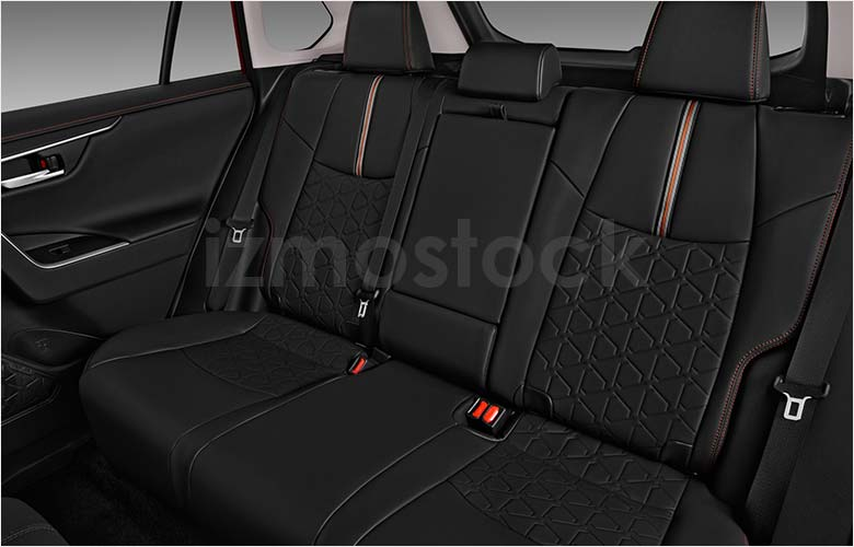 toyota_19rav4adventuresu5a_rearseat