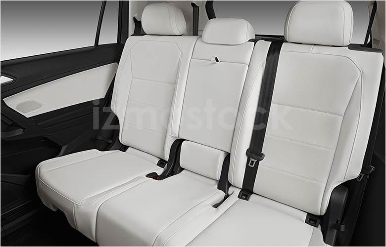 2019_Volkswagen_Tiguan_rear_seat