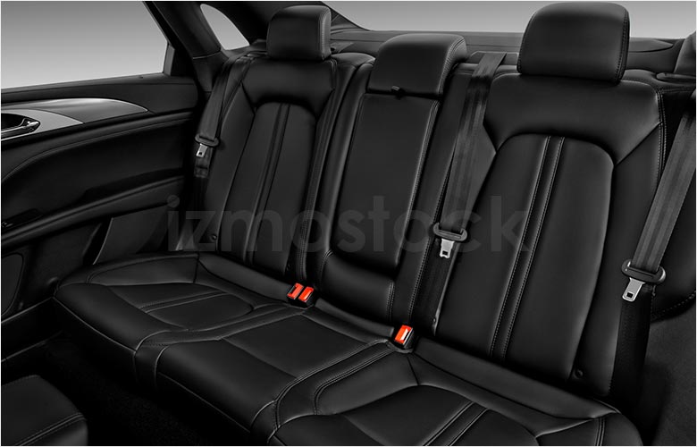 lincoln_20mkzstdsd2ra_rearseat