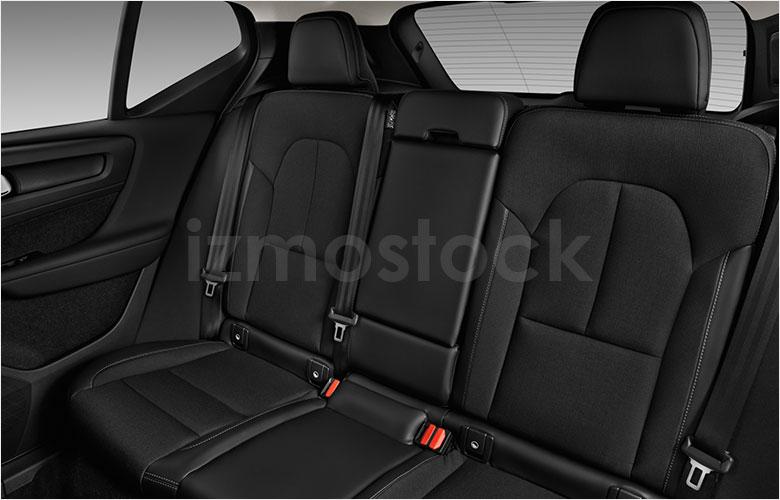 volvo_20xc40momntm4wdsu1a_rearseat