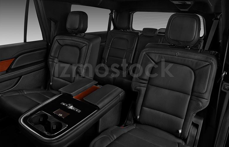 lincoln_20navigatorlreservesu4ra_rearseat