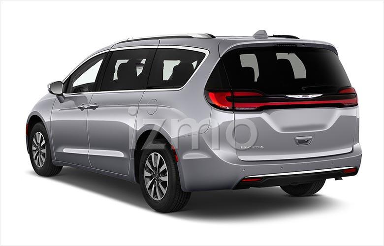 2021-chrysler-pacifica-touring-l-minivan-angular-rear